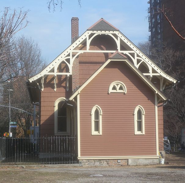 Old St. James Episcopal Church, Queens. Photo 1